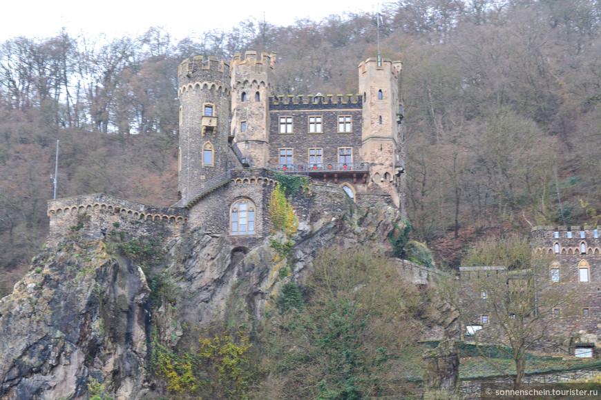 Сегодня замок находится во владении бывшего оперного певца Германна Хехера.