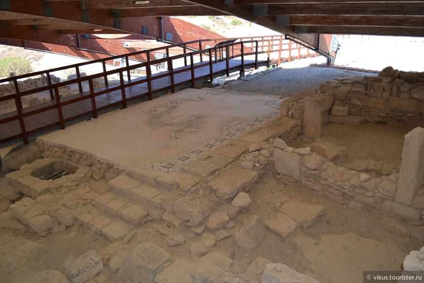 Развалины древнеримского города Куриум. Купальни виллы Евстолия.