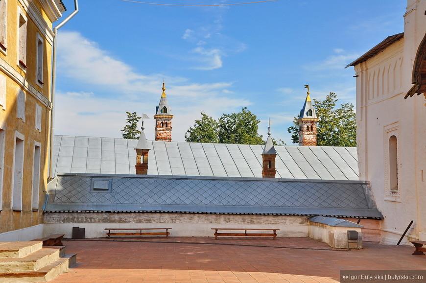 26. Есть возможность подняться на бывшую колокольню, всего за 100 рублей с человека.