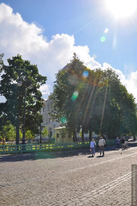 09. Туристов было не много, хотя, возможно это из-за очень большой площади, люди теряются.