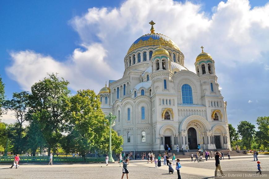 10. С мая 2013 года собор считается основным храмом Военно-морского флота России и центром Военного благочиннического округа Санкт-Петербургской епархии.