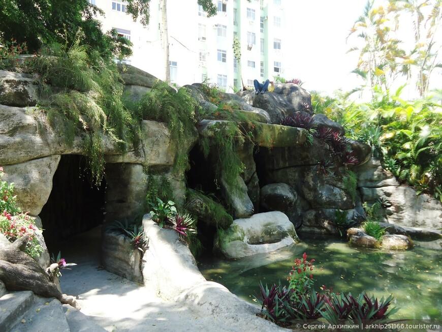В саду у Республиканского музея Рио