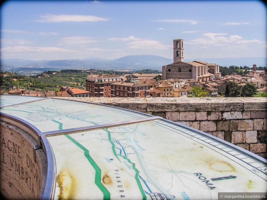 Перуджу без преувеличения так же можно назвать - город - смотровая площадка, потому что таким  огромным количеством смотровых площадок вряд ли может похвастаться еще какой другой город.
