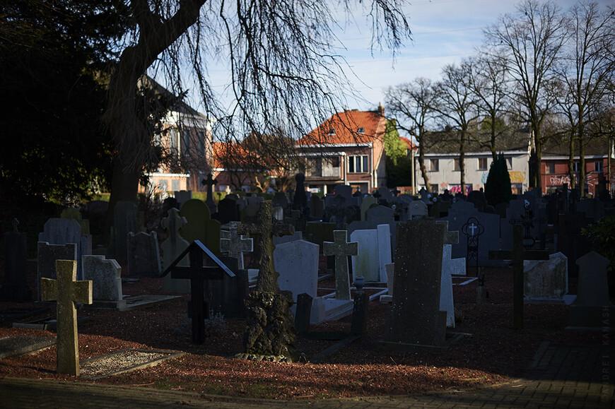 Местное кладбище