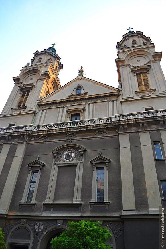 Католический храм.