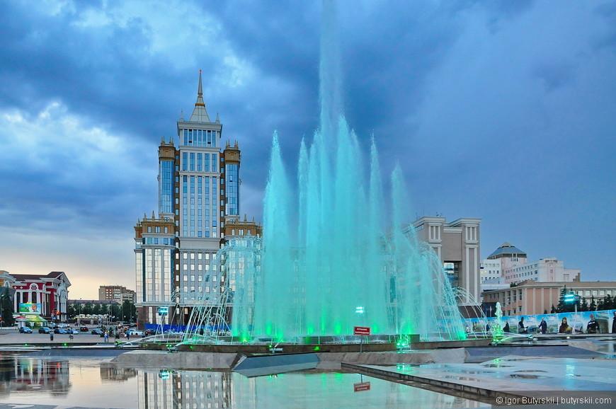 34. Вечером фонтан расцветает. Будете проездом – заезжайте в Саранск, интересный город.