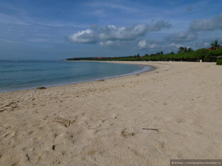 ну и как не не посетить красивый с белым песком пляж В Нуса Дуа,по нашему мнению только на разовое посещение, Кута тянет к себе своим колоритом