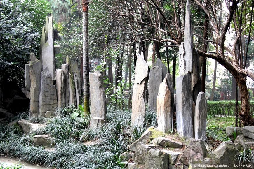 """небольшой """"лес стелл"""", напоминает тибетские молитвенные камни """"манидуй"""""""