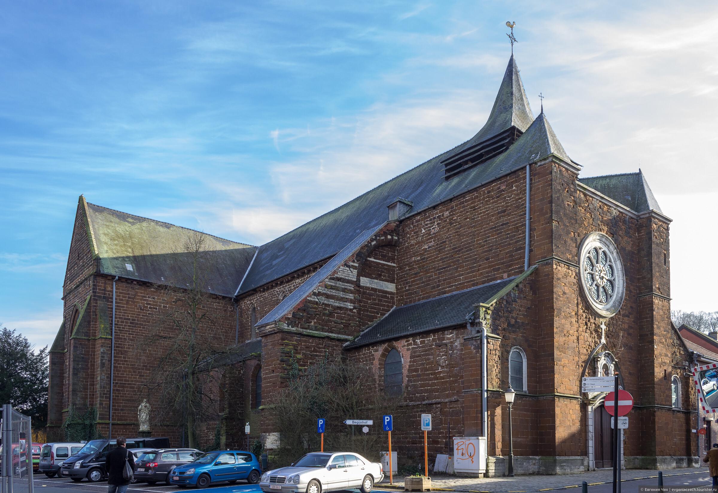 Церковь святой Девы Марии (Onze-Lieve-Vrouwekerk) находится на улице Schaffensestraat. Церковь строилась с 1253 по1288 год. , Дист, резиденция дома Оранских