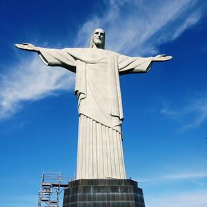 Корковадо и статуя Христа-Искупителя в Рио