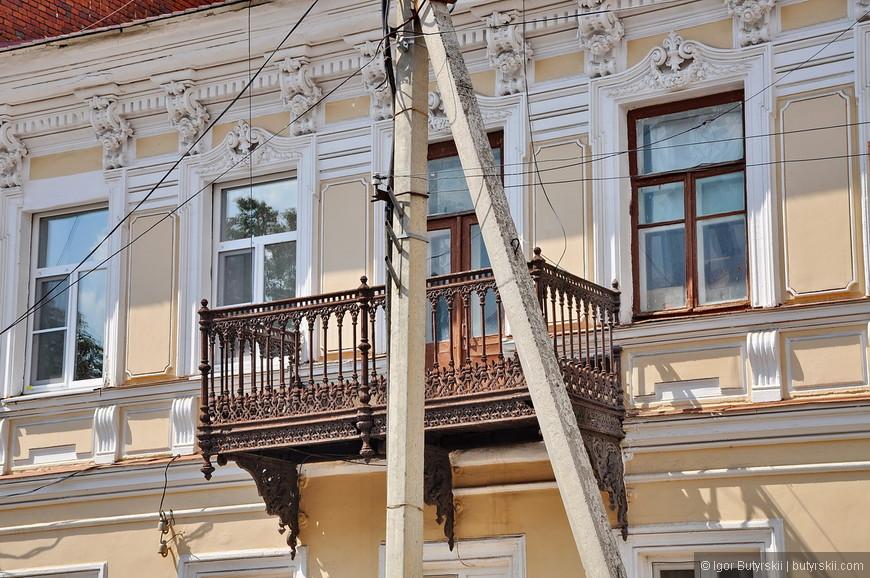 20. Самый большой бич города – это провода и электрические столбы, они везде и повсюду, провода висят с дома на дом, фотографировать невозможно.