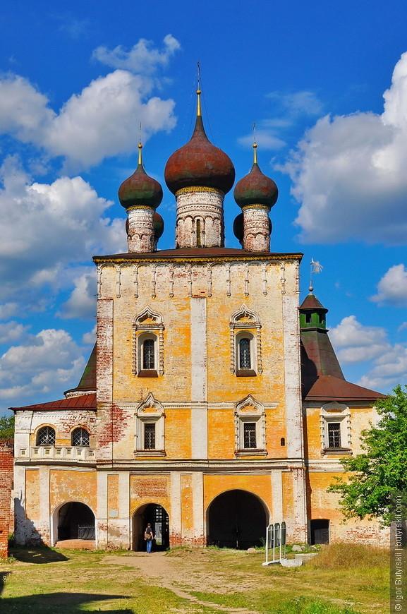20. Монастырь возрожден в 1994 году, делит здания с музеем. Здания монастыря как составляющие значительного памятника истории и культуры находятся под охраной государства.