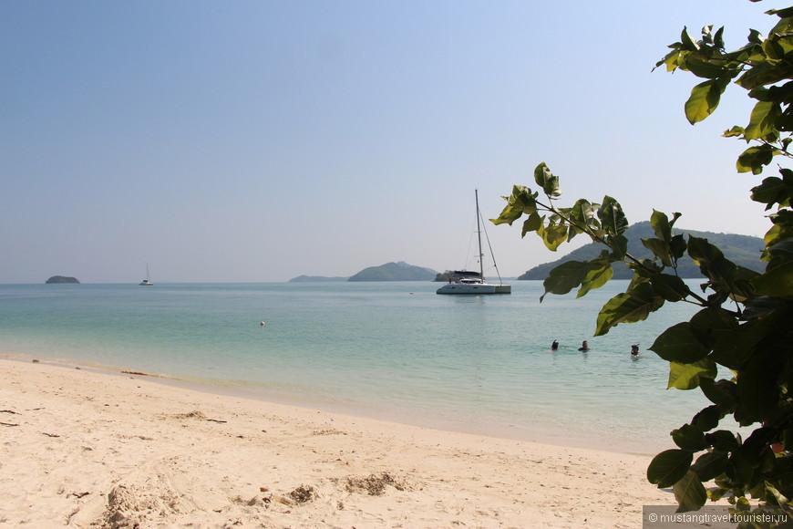 Один из многочисленных островов, на который заехали на обратном пути, после посещения Ph-Phi