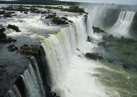 Водопады Игуасу с верхней площадки