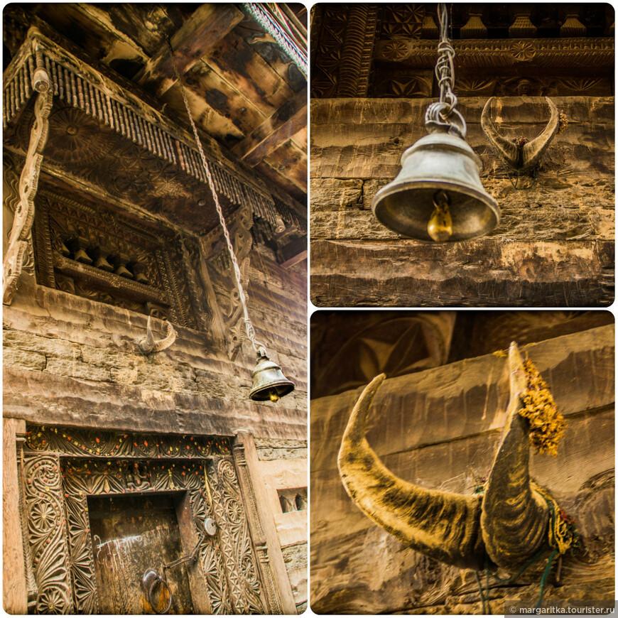 детали из оформления древнейшего храма