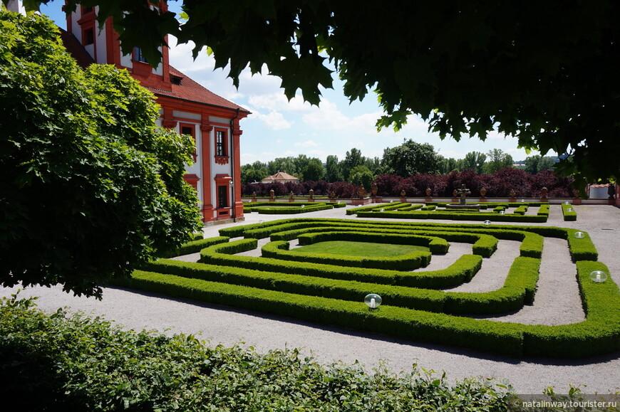 Парк Тройского замка