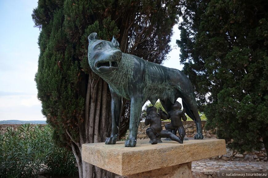 Скульптура Капитолийская волчица