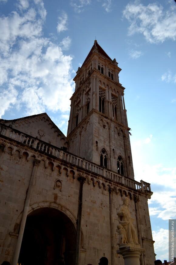 В Хорватии, пожалуй, не найдётся ни одного похожего на Трогир города.
