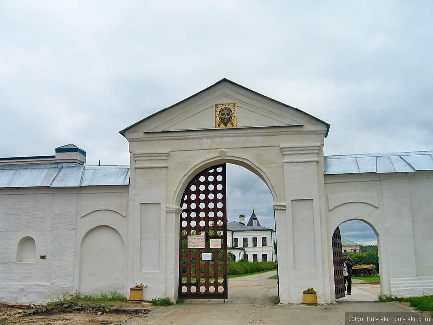 08. Святые (Западные) ворота.