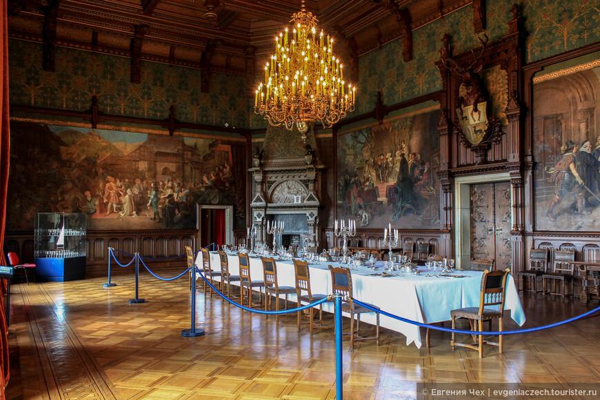 Зал приемов. Здесь принимали высоких гостей - кабинет министров, Бисмарк, кайзер Вильгельм.