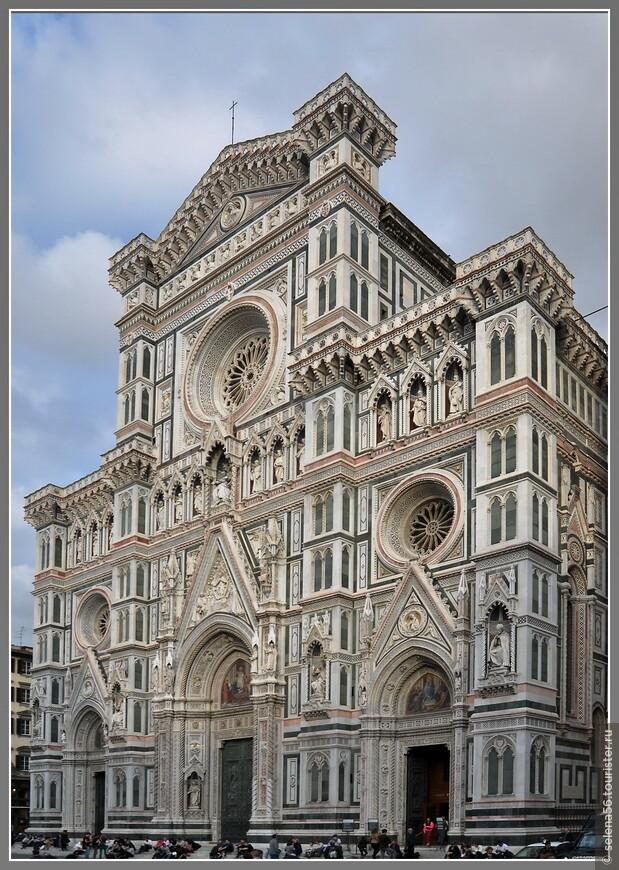 """Главный кафедральный собор города Дуомо-- базилика Санта -Мария дель Фьоре (""""Святой Марии с цветком"""", которая является покровительницей Флоренции) . Красота его  впечатляет и завораживает  каждого."""