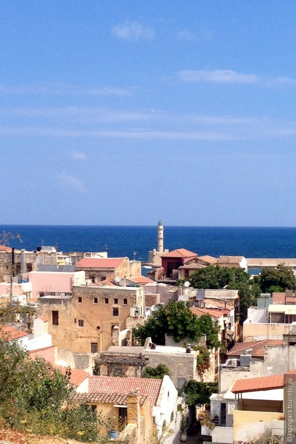 Вид на старый город и маяк