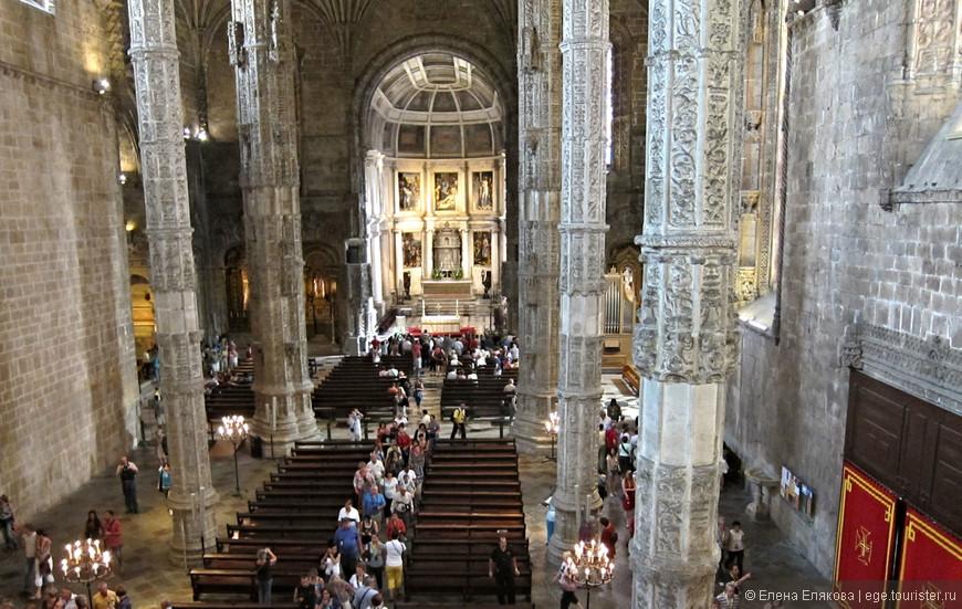 Лиссабон, монастырь Жеронимуш. Внутри находятся гробницы Васко да Гама и поэта Камоэнса, автора прославленной поэмы Луизиады.