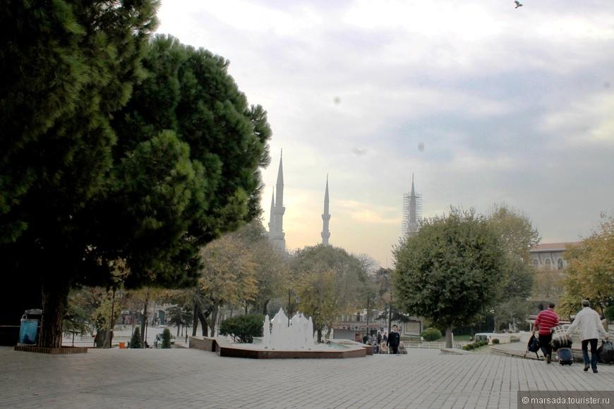 """Итак, от трамвайной остановки """"Султанахмет"""" отправляемся к площади Ипподром"""