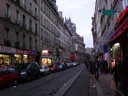 Париж будет жестче контролировать рынок аренды жилья для туристов