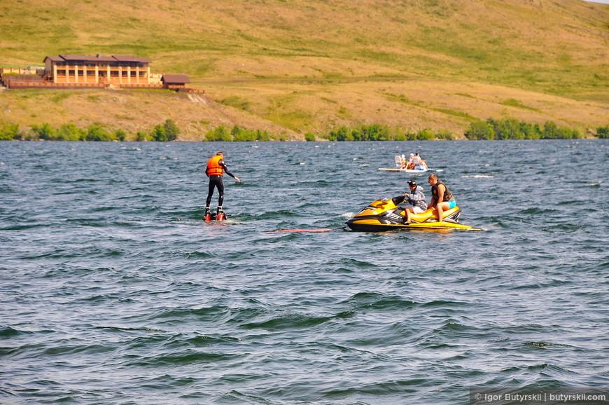 04. Озёрные развлечения, полетать над водой, погонять на гидроцикле и многое другое.