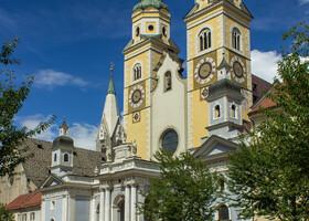 Церкви Бриксена