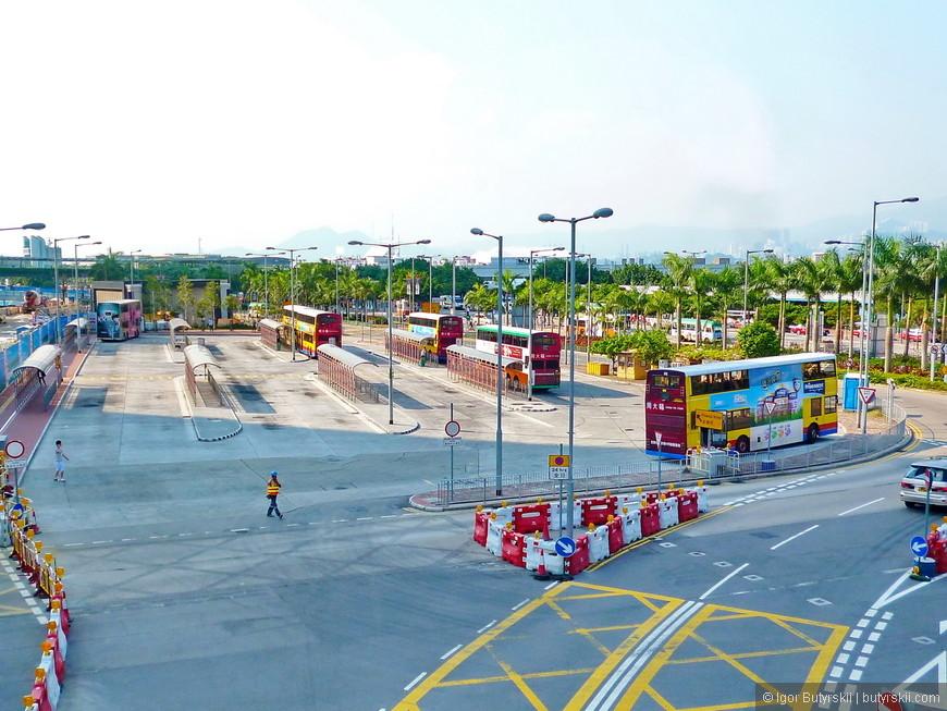 05. Оцените парковку Биг Баса Турс, туристическая инфраструктура Гонконга удивляет, тут миллионы туристов…