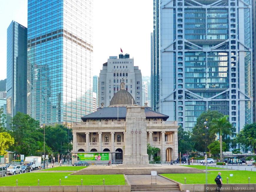 07. Стоимость квадратного метра земли в Гонконге примерно равна любви и уважению к колониальному прошлому. Все здания сохраняют, реставрируют и оберегают, вызывает уважение.