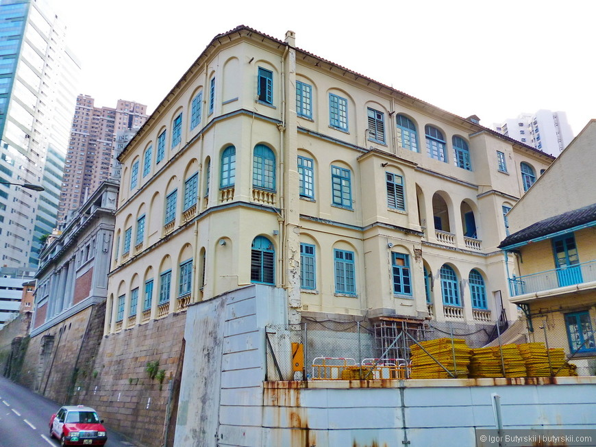 32. Все исторические здания бережно сохранены.