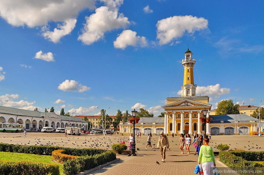 07. Центральная площадь довольно большая, на ней гуляет много людей, редко когда получается использовать такие территории, Костромчане – молодцы.
