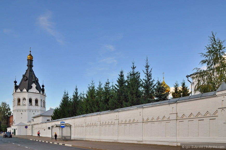 16. Башни Богоявленского монастыря.