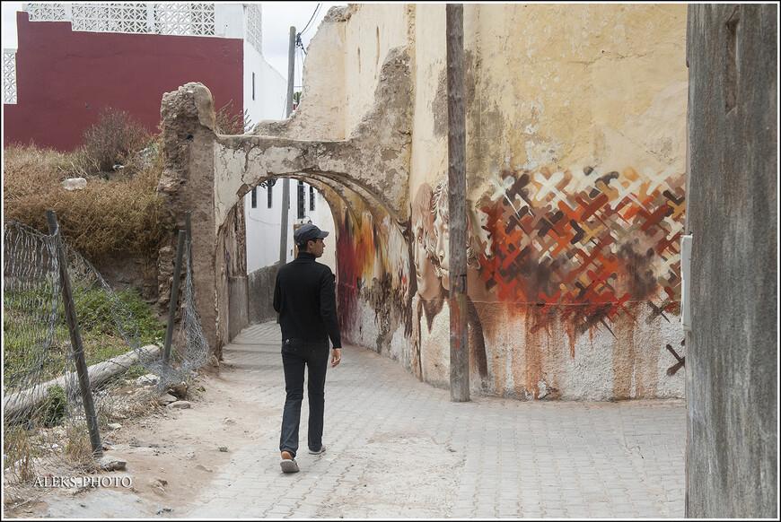 А ведь стенам этого городка уже целых пятьсот лет.