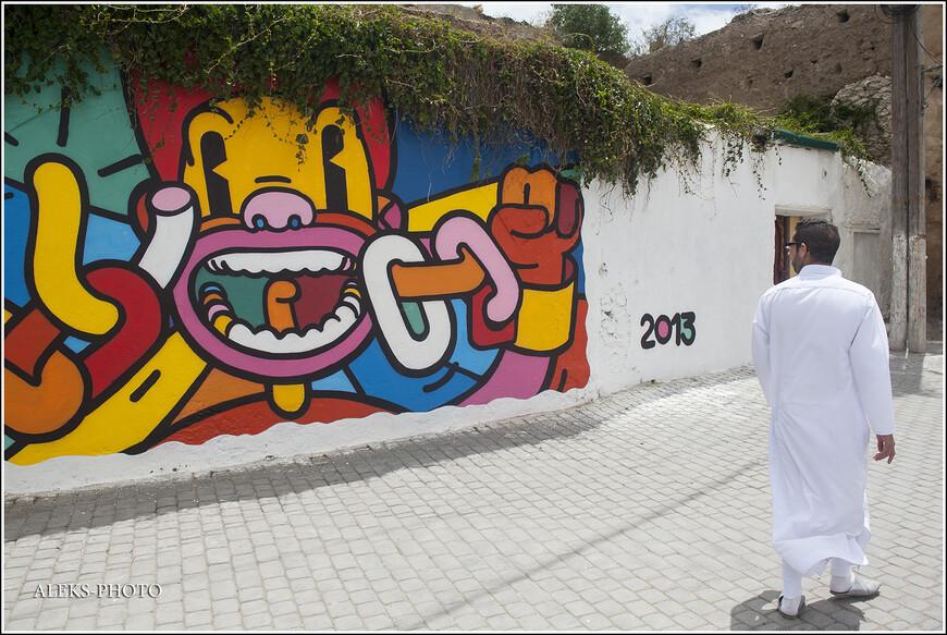 Местный житель оделся по-праздничному. Марокканцы, как и все арабы, любят белый цвет.