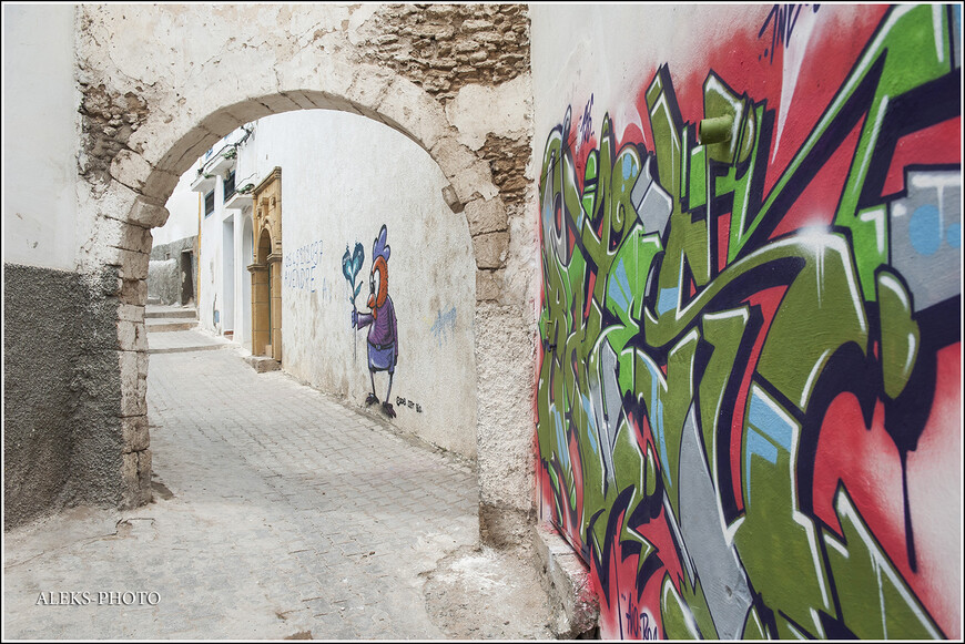 Мое отношение к граффити - весьма сдержанное. Но тут что ни работа, то маленький шедевр.