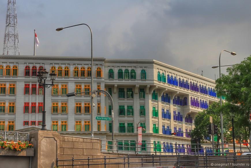 Очень похоже на жилое здание. Но мне понравились окошки - в детстве я всегда раскладывала карандаши в коробке по цветам и не любила, когда они перепутывались.