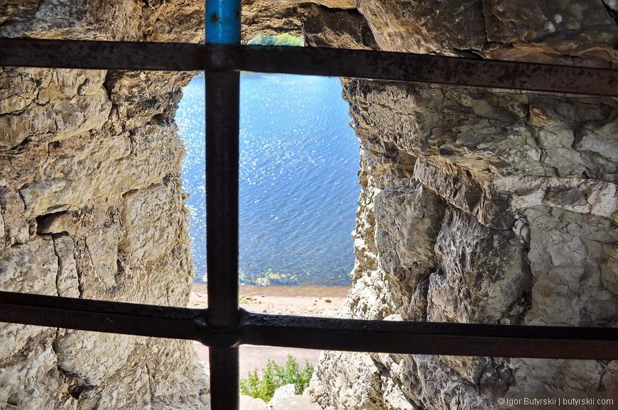 12. Виды на реку из окошек крепости ничего не изменилось за 500 лет, все также располагается.