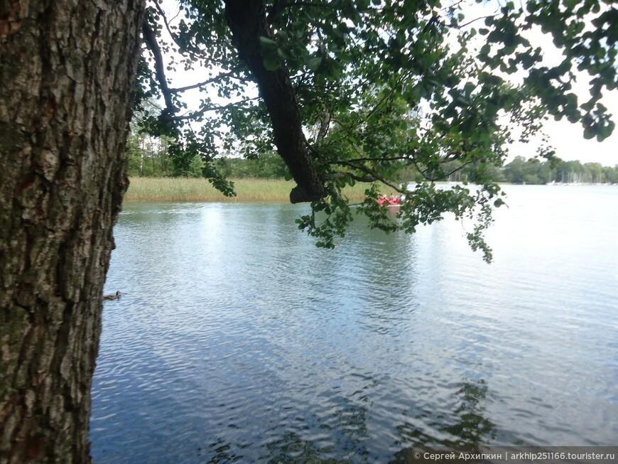 У озера Тракай