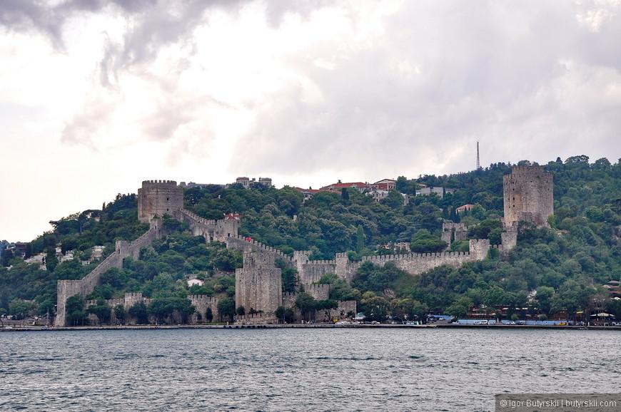 06. Новый жилые районы и древние стены замков, все смешалось вдоль пролива.