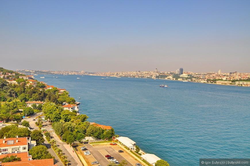 10. Стамбул очень большой город по территории и довольно малоэтажный, из-за рельефной местности виды из частных домов у многих великолепны.