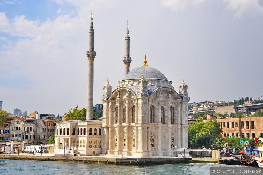 25. Мечеть Ортакёй очень красива, одна из основных достопримечательностей Босфора.