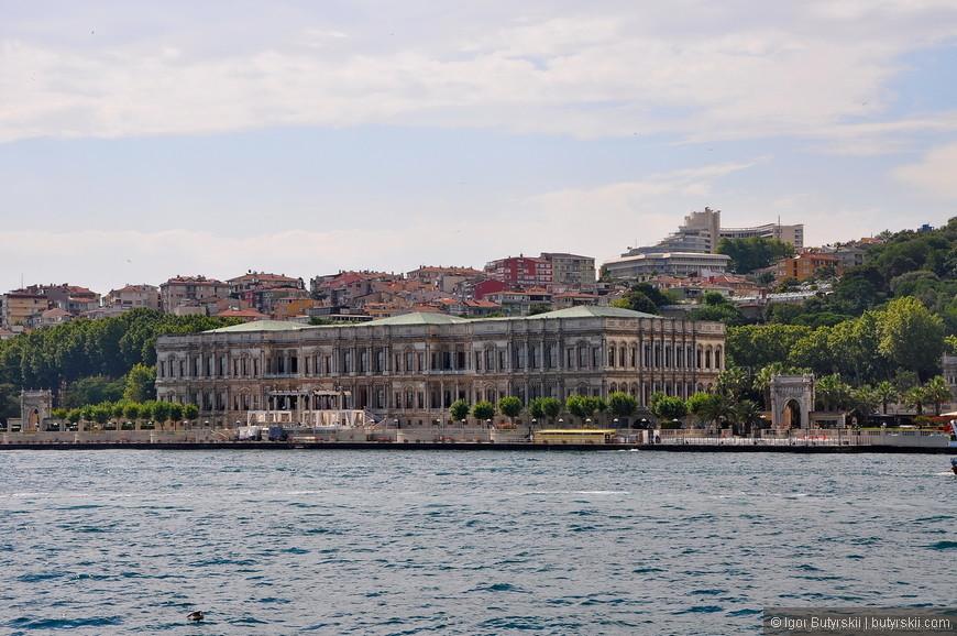 26. С древних времен дворцы строили вдоль Босфора.