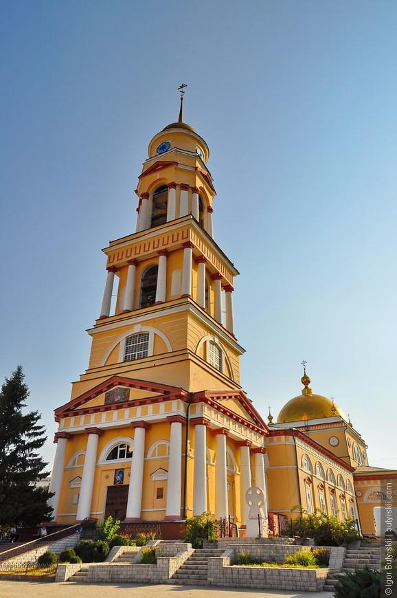 05. Город хоть и большой по населению, но на достопримечательности не очень богат, этим мне напомнил Белгород. Зато очень чистый и зеленый.