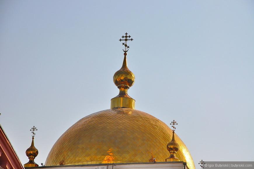 07. В городе не чувствуется религиозное давление, но храмы присутствуют.