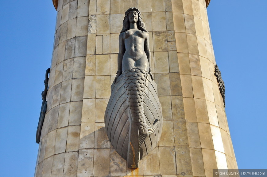 14. Памятник Петру не помешало бы немного подреставрировать, отполировать, но в целом состояние хорошее.