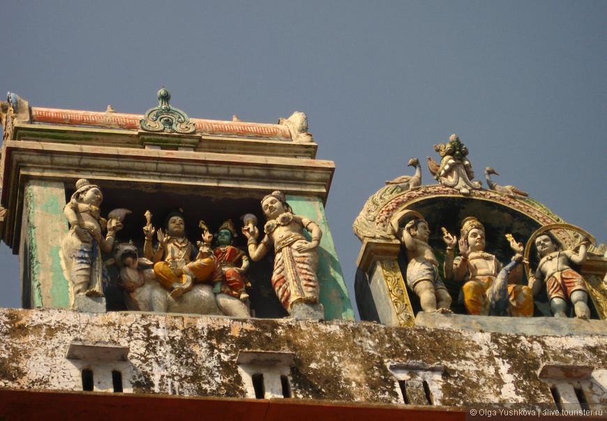 Оформление шиваистского храма на набережной Ганги...